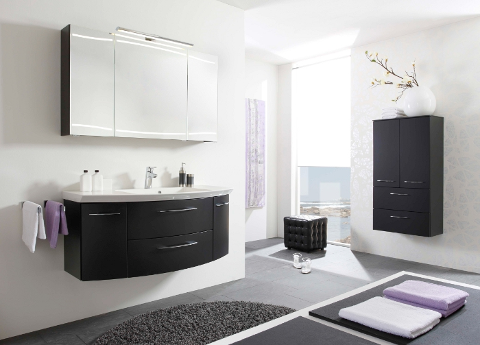 badezimmer mitareiter. Black Bedroom Furniture Sets. Home Design Ideas