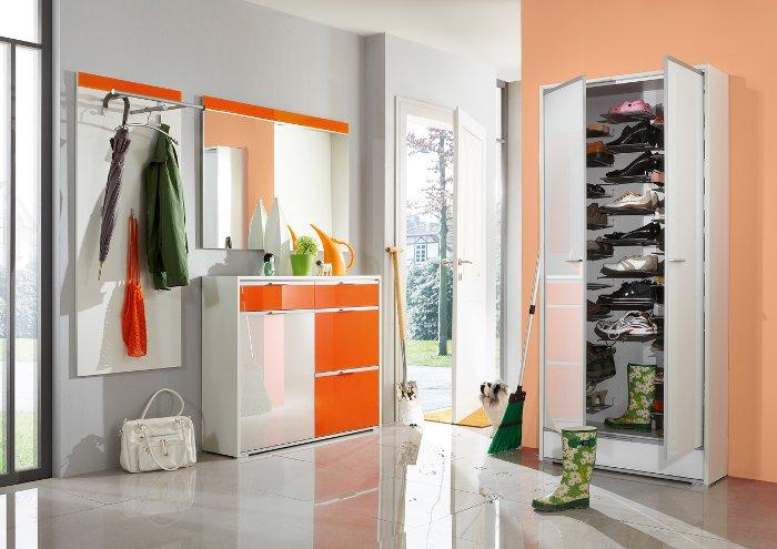 garderobe kleinm bel schuhschrank sideboard couchtisch. Black Bedroom Furniture Sets. Home Design Ideas